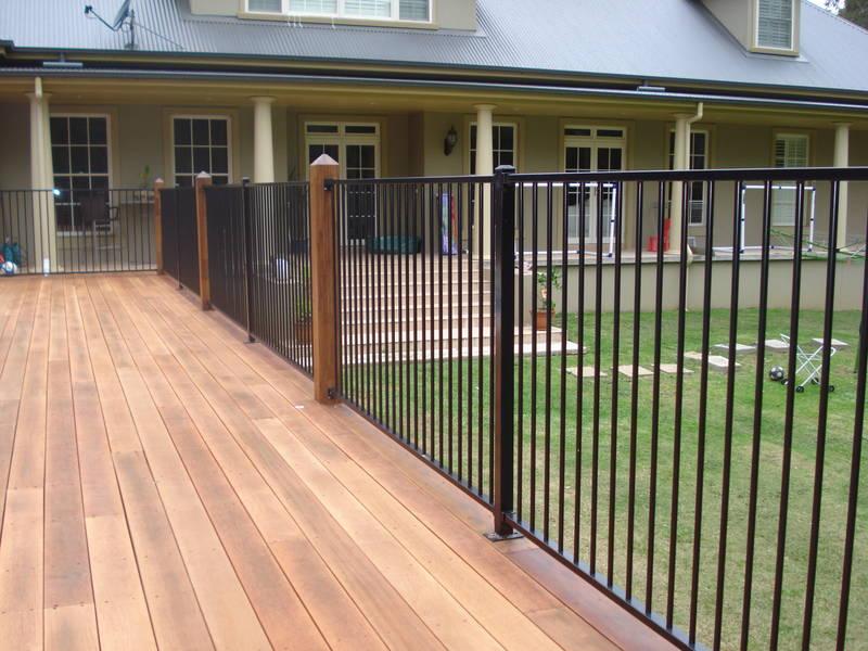 Fencing 1 5m Flanged 50x50x2 0mm Aluminium Pool Fence
